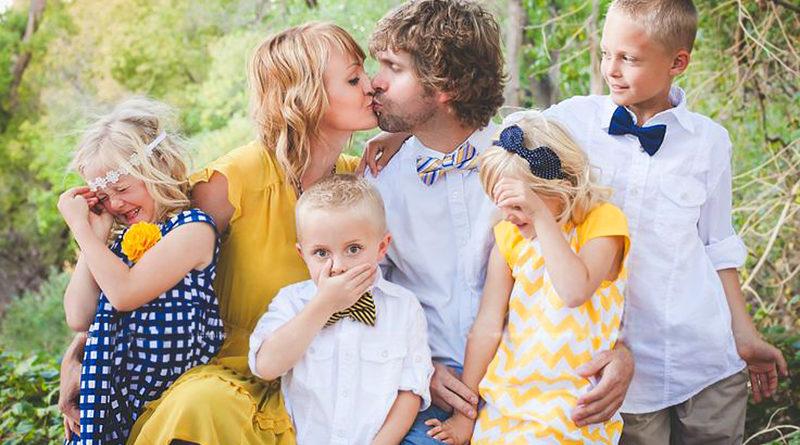 Одяг в стилі Family look на Великдень  46c76079ffc6d