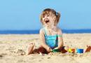 Відпочинок на пляжі з малюком, список необхідних речей
