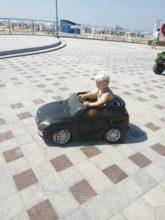 """Справжнього \""""чоловіка\"""" манить зовсім і не море, а автомобіль!"""